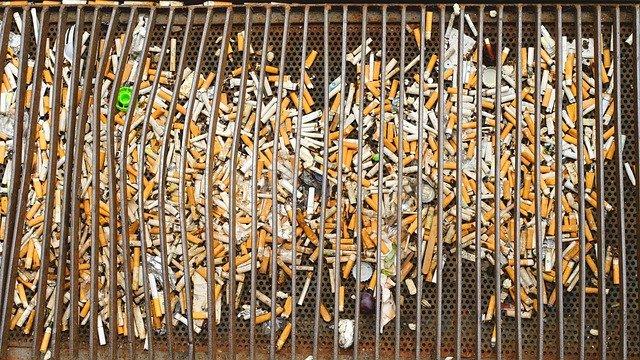 cigaretový nepořádek